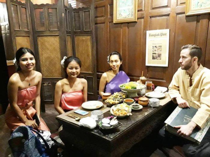 ร้านต้นตำรับ เรือนมัลลิการ์ (Ruen Mallika Royal Thai Cuisine)