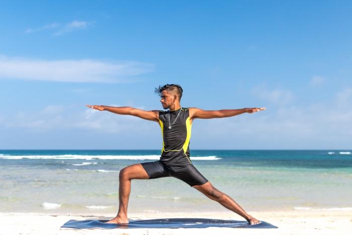 วิธีออกกำลังกายลดความอ้วน ท่านักรบ (Warrior Pose) ลดไขมันต้นขา สะโพก