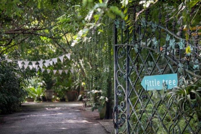 ร้านอาหารครอบครัว Little Tree Garden