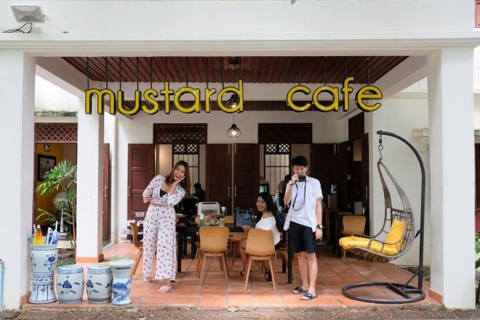 ของกินภูเก็ต Mustard Cafe Baking Studio