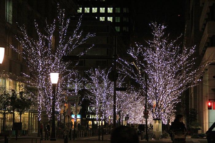 เที่ยวโตเกียวด้วยตัวเอง light up at marunouchi