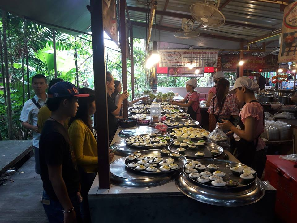เที่ยว ตลาดน้ำ ตลาดน้ำอัมพวา ตลาดน้ำบางน้ำผึ้ง ตลาดน้ำดอนหวาย