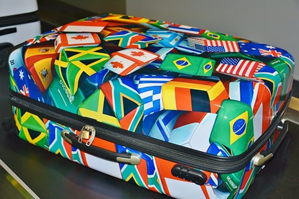 กระเป๋าเดินทางน้ำหนักเบา ขนาดกระเป๋าเดินทาง กระเป๋าเดินทางยี่ห้อไหนดี ขนาดกระเป๋าขึ้นเครื่อง
