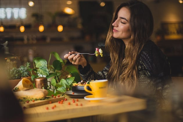 ชื่อเมนูอาหารจานเดียว, กินข้าวคนเดียว