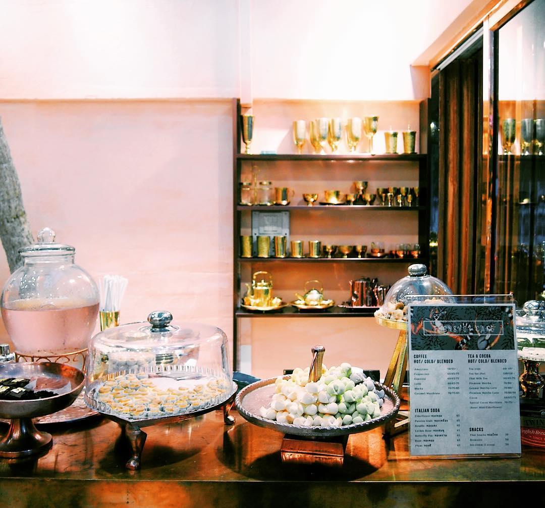 ร้านกาแฟอารีย์ คาเฟ่ อารีย์ ซอยอารีย์ ร้านกาแฟน่านั่ง