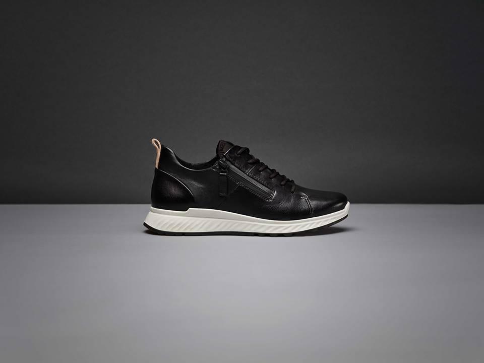 รองเท้าผ้าใบผู้หญิงยี่ห้อไหนดี รองเท้าผ้าใบไนกี้ ไนกี้ รองเท้าผ้าใบ