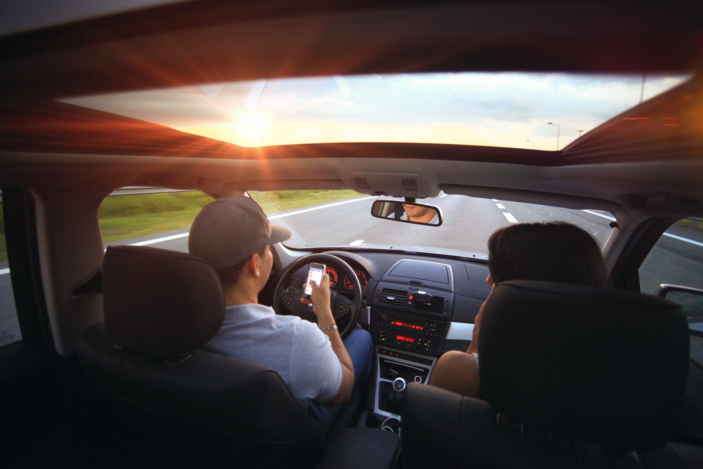 ติดฟิล์มรถยนต์ ฟิล์มกรองแสงรถยนต์ ฟิล์มกระจกรถยนต์ ฟิล์มรถยนต์ยี่ห้อไหนดี