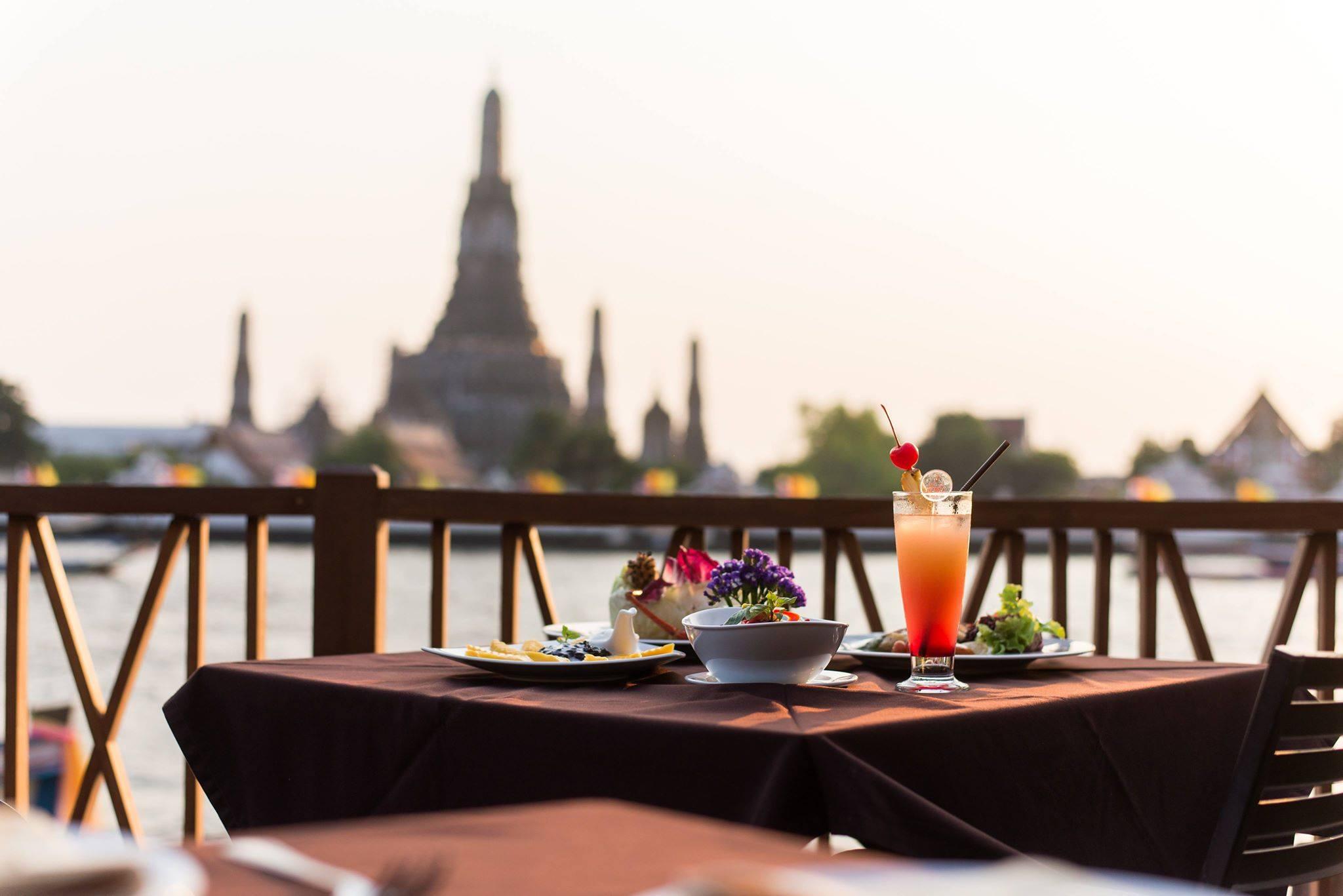 ร้านอาหารไทย ร้านอาหารอร่อย ร้านอาหารใกล้วัดพระแก้ว ร้านอร่อย