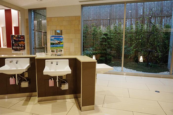 mishima-skywalk_toilet-2