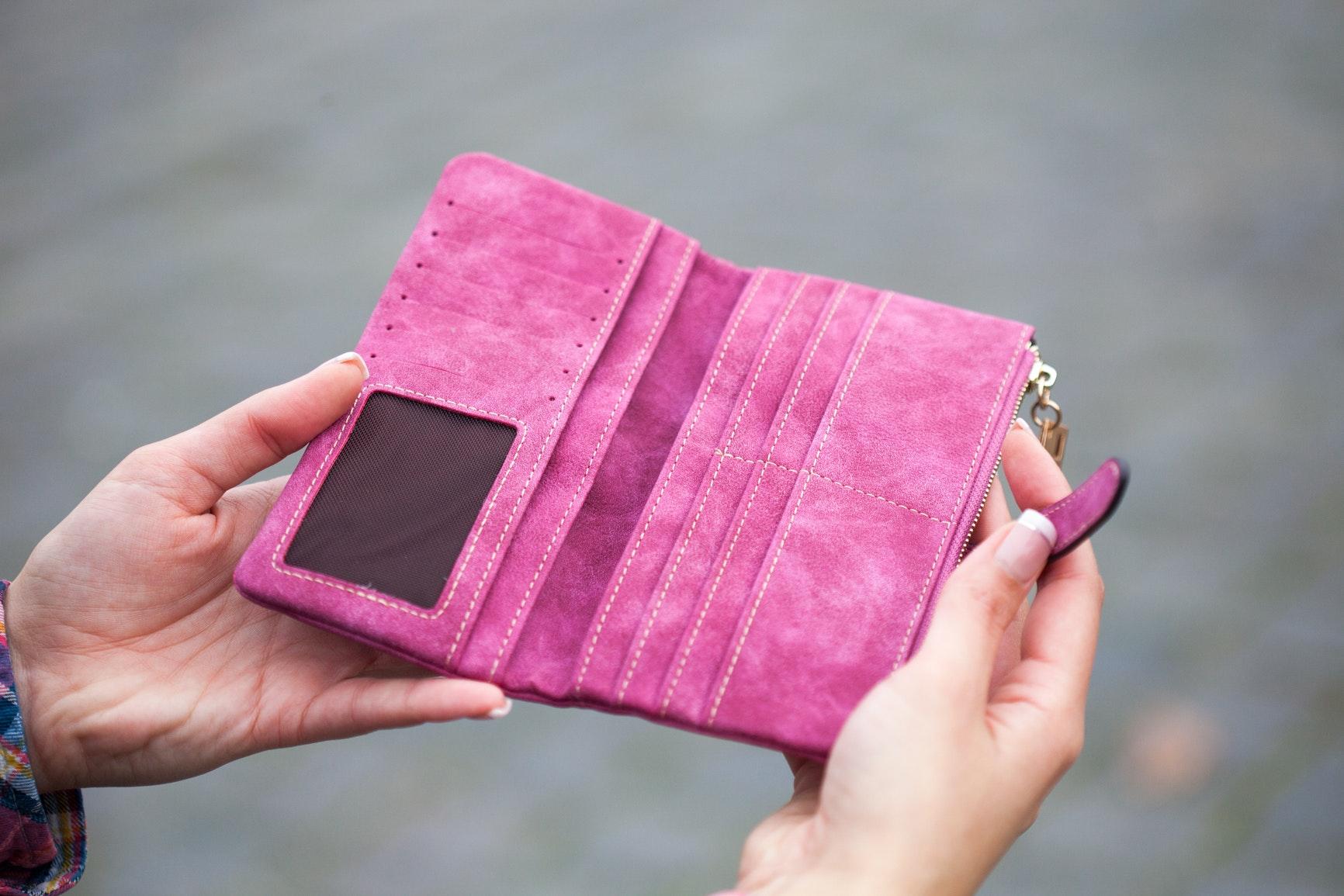 กระเป๋าตังตามวันเกิด สีกระเป๋าสตางค์ตามวันเกิด 2562 ผู้หญิง สีกระเป๋าตังตามวันเกิด 2562 กระเป๋าสตางค์ตามวันเกิด