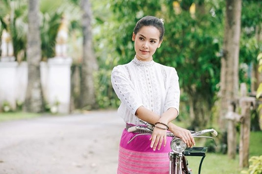 ชุดผ้าไทย กระโปรงผ้าไทย ชุดผ้าไทยแฟชั่น แฟชั่นผ้าไทย