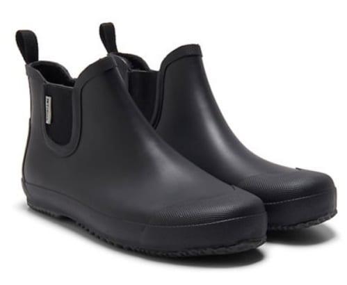 รองเท้ากันน้ำชาย, รองเท้าใส่หน้าฝน