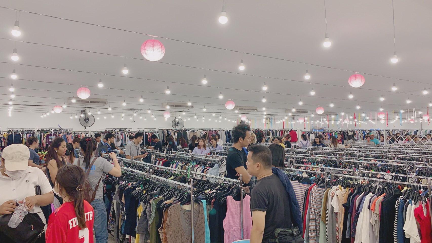 เสื้อผ้ามือสอง ร้านขายเสื้อผ้ามือสอง ร้านมือสองญี่ปุ่น ร้านเสื้อผ้ามือสอง
