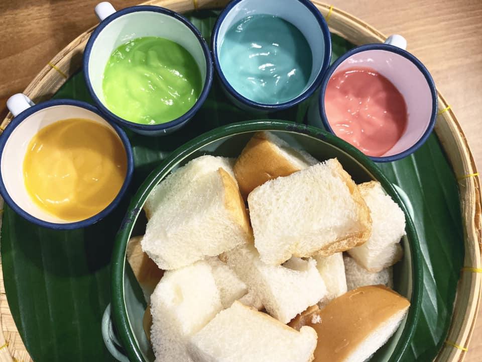 คาเฟ่ขนมไทย, ร้านขายขนมไทย