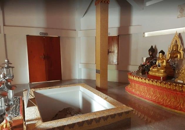 วัดพระพุทธบาท ลพบุรี, รอยพระพุทธบาท คือ