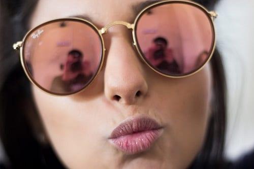 แว่นกันแดดผู้หญิงยี่ห้อไหนดี, แว่นกันแดดผู้หญิงหน้ากลม