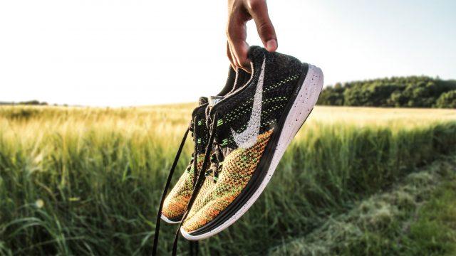 過年吃太好?最新nike 8款女鞋陪你一起健康瘦!(限時加碼18%大放送!!)