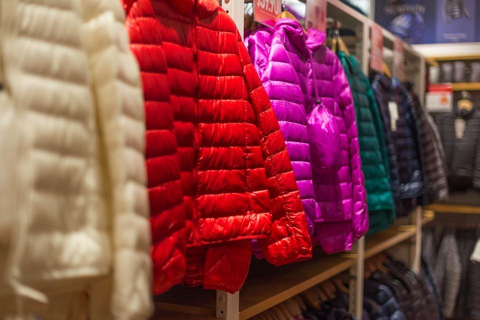 羽絨外套雖然保暖,但是很易燃