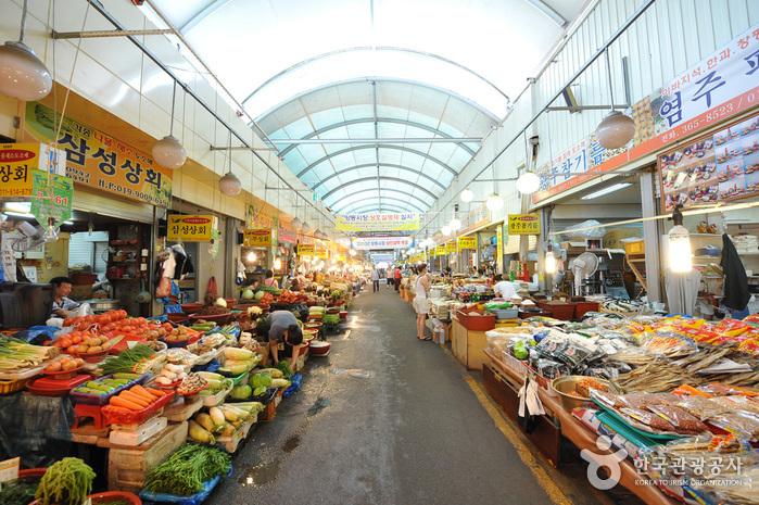 (韓國傳統市場,圖片來源:韓國觀光公社)