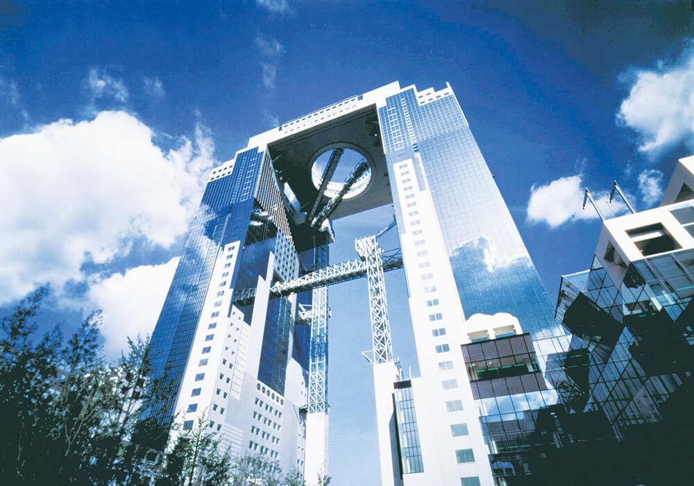 「梅田藍天大厦」空中庭園