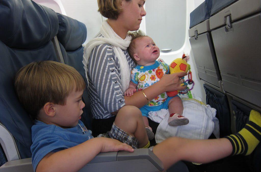 搭飛機時傾斜椅背?5大飛機座椅調整原則報你知