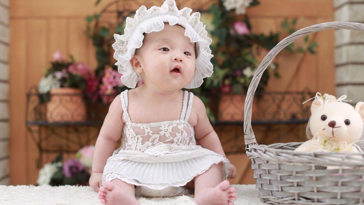 新年穿新衣,麗嬰房特賣幫baby妝水水拜年去!