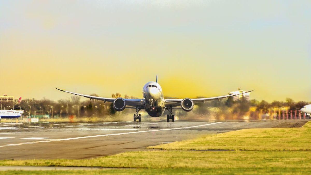 機位超賣、班機延誤、班機取消怎麼辦?廉航與傳航處理方式懶人包