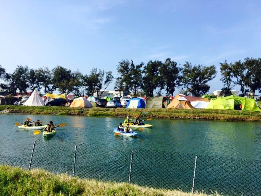 四草舟屋露營區