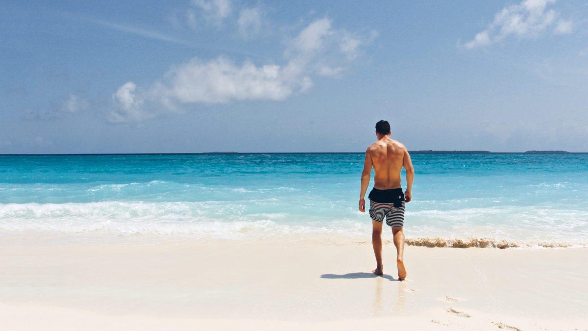 夏天來啦!海灘褲選擇指南讓你變身熱血型男