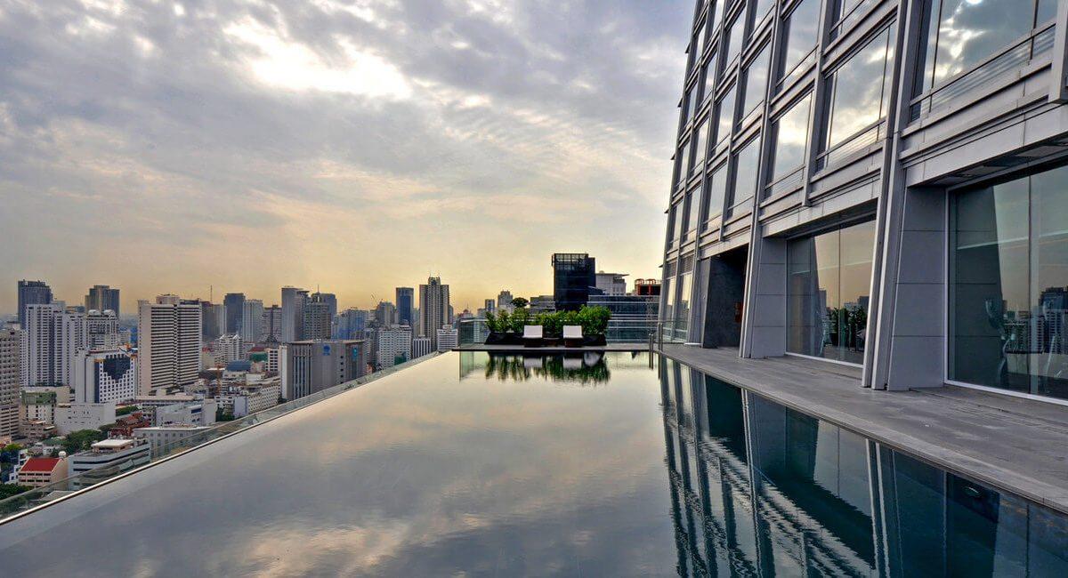 悠遊高空絕景!泰國曼谷無邊際泳池飯店經典5選