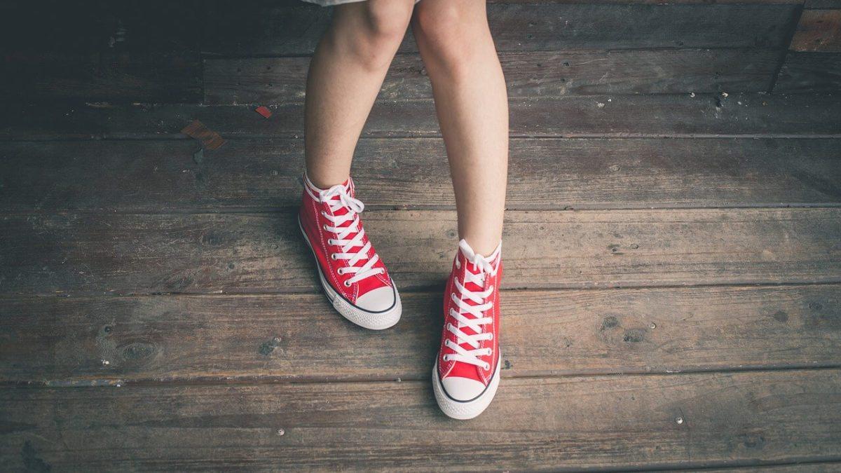 腳臭怎麼辦?這些快速除腳臭好方法,讓你脫鞋不尷尬