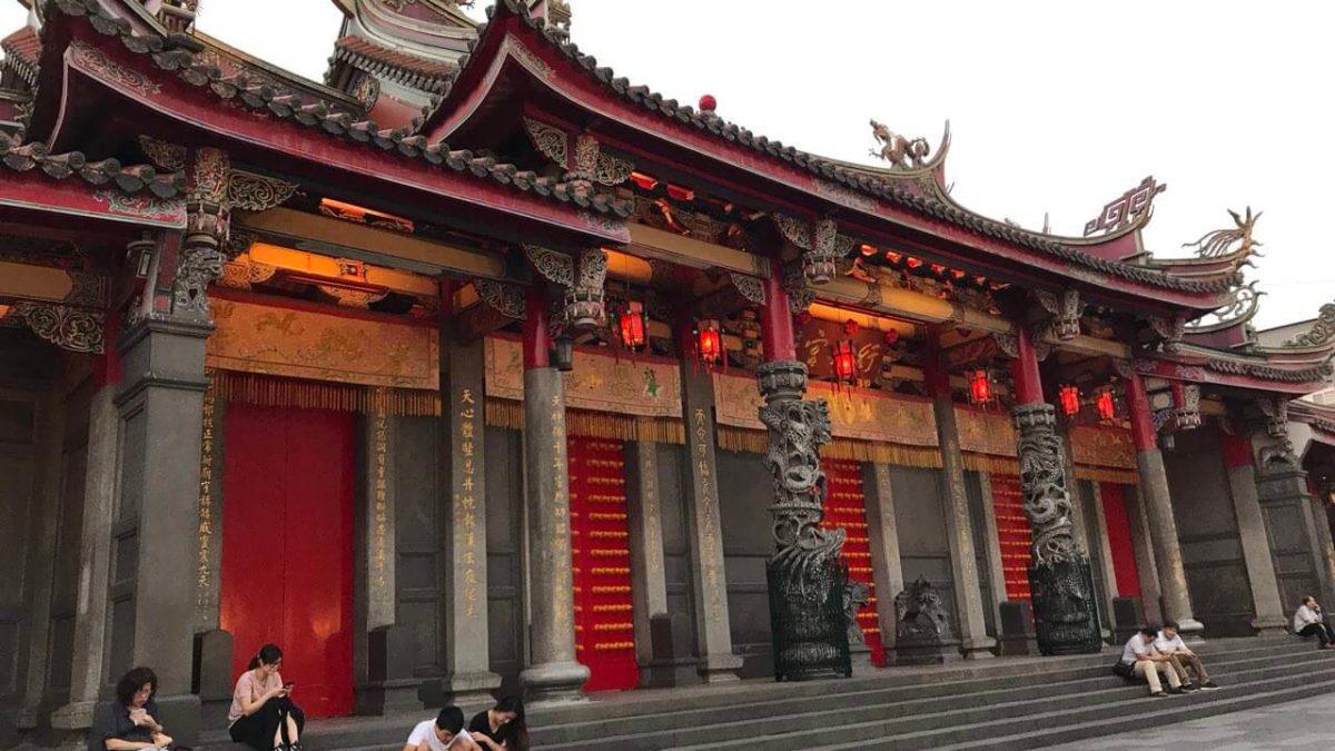 找工作、求職不順?到台北這3間最靈驗廟拜拜,讓你事業運、轉職大發