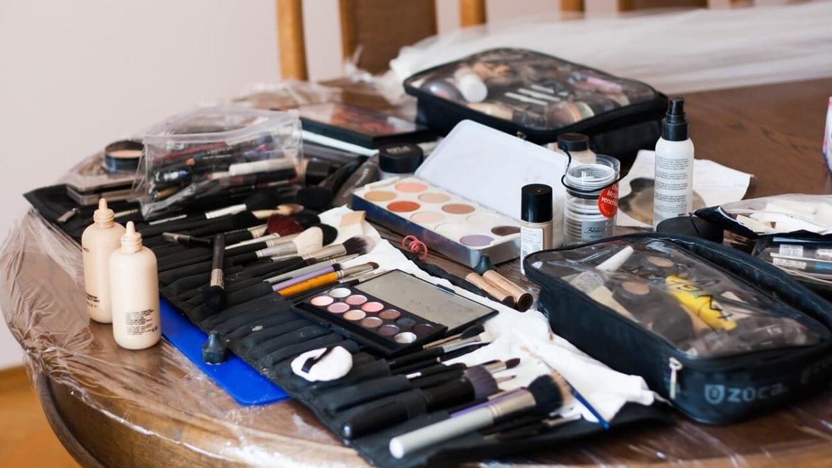 粉底液上妝工具怎麼選?5種底妝工具幫你打造完美妝感