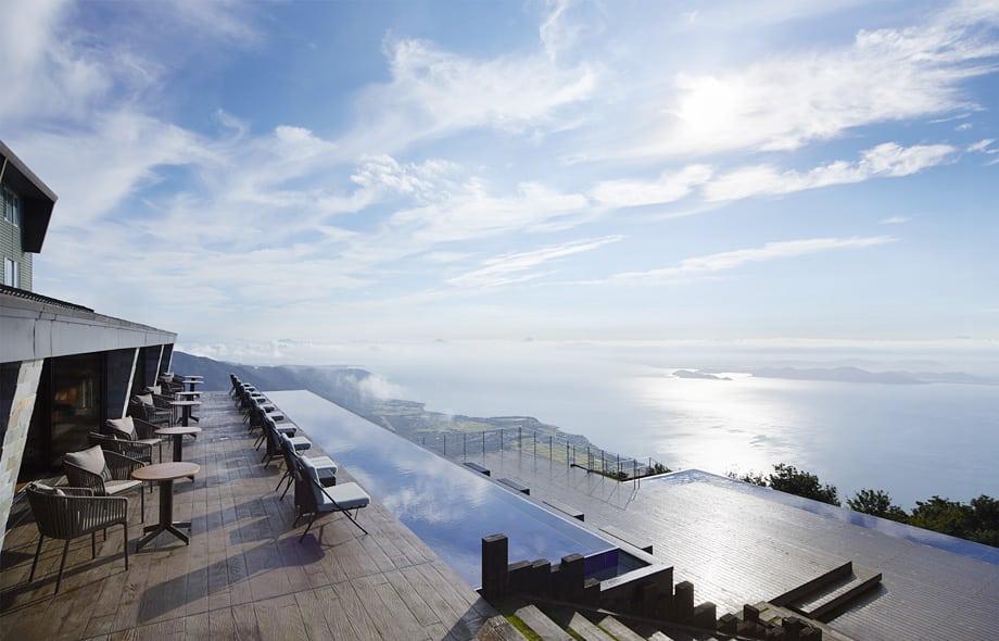 琵琶湖山谷