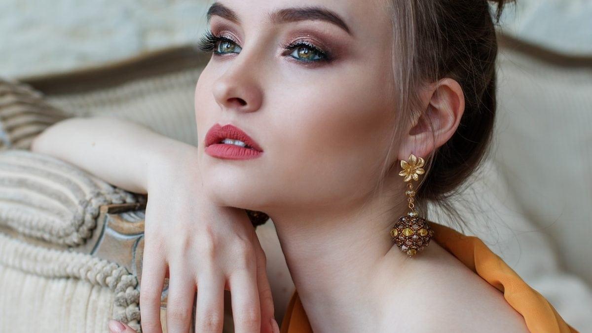 天氣熱脫妝怎麼辦?2020 女生必備底妝保養5秘訣,和浮粉說掰掰