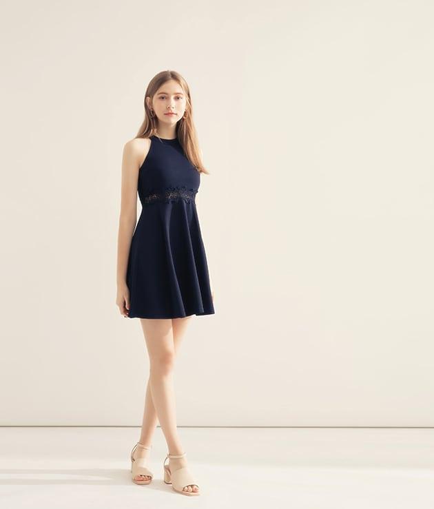 深藍削肩鏤空蕾絲連身洋裝