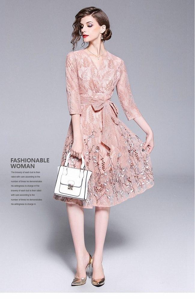 時尚V領蕾絲繡花大擺裙洋裝