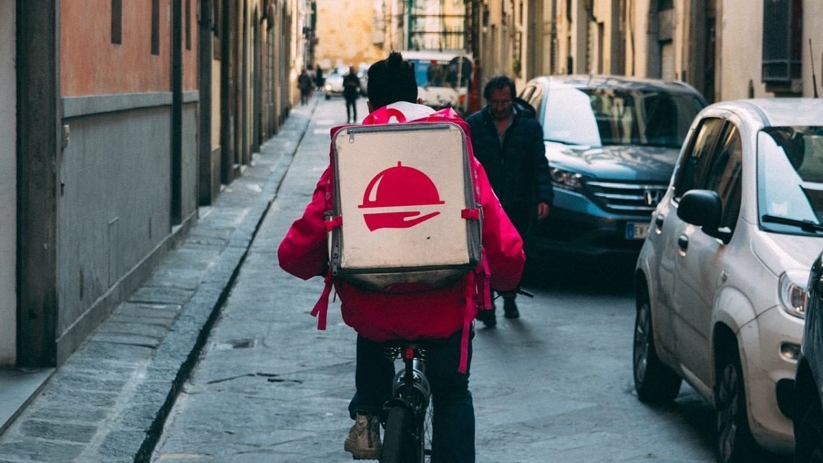 懶人必備!台灣外送app比較推薦,UberEats、foodpanda…美食送到家