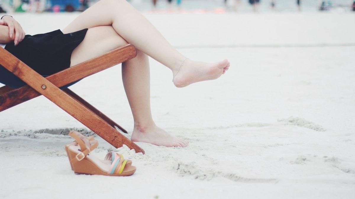 夏天網購時尚單品!女神款厚跟涼鞋推薦,讓你完美顯瘦又高挑