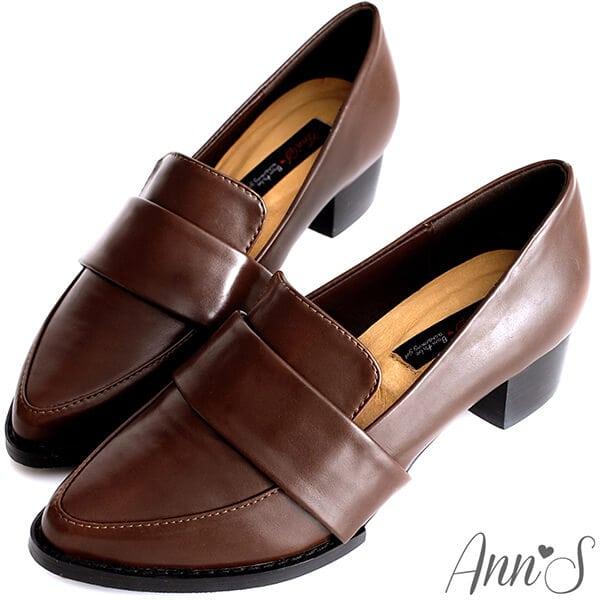 時髦復古韓妞的低粗跟便鞋