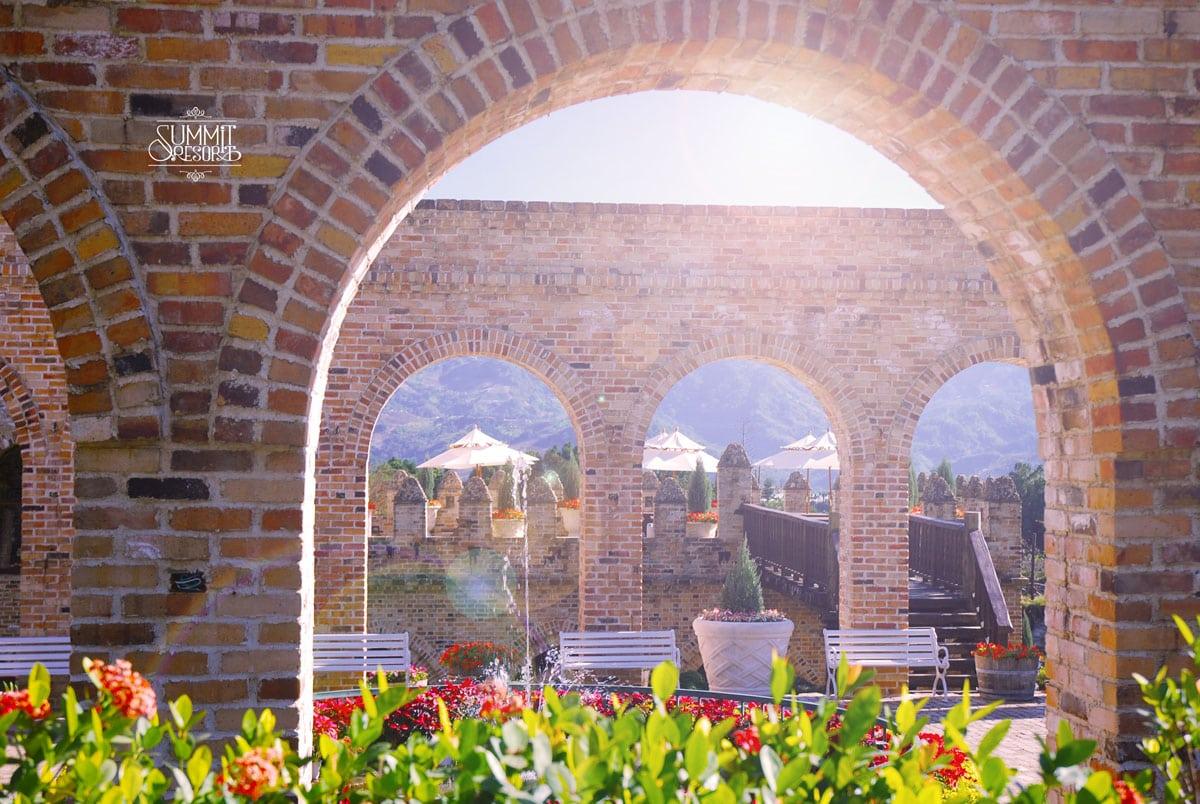 新社古堡花園羅馬拱柱