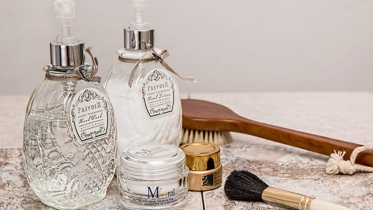 拒絕爆痘爆粉刺!開架痘痘肌卸妝產品推薦,輕鬆養出好膚質