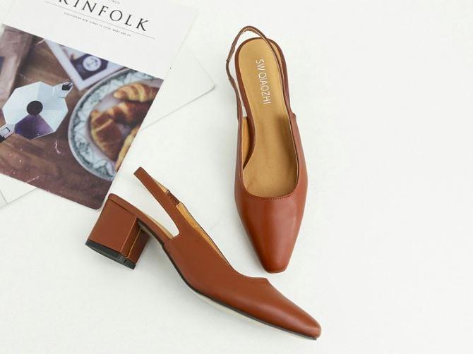 復古氣質皮革方形包頭涼鞋