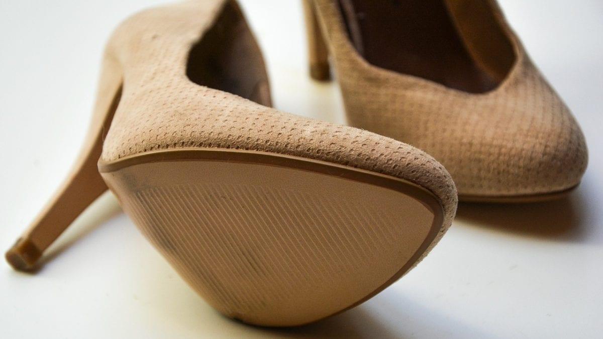 秋季穿搭這樣配!淘寶女生鞋子秋季推薦款,趁雙11購入復古秋感up up