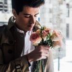 男士和鮮花