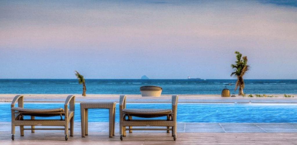 來去宿霧自由行啦!菲律賓宿霧住宿飯店推薦,平價享受無邊際海景
