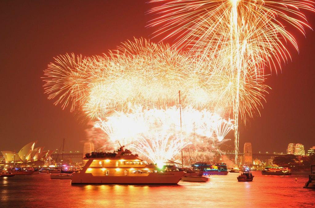 海上煙火超華麗!澳洲雪梨跨年煙火船,船票預定、注意事項全攻略