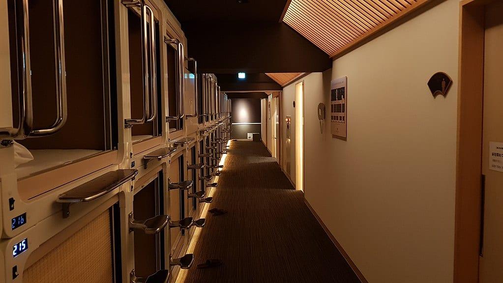 女生住宿也安心!平價、近地鐵、高CP值的大阪膠囊旅館推薦