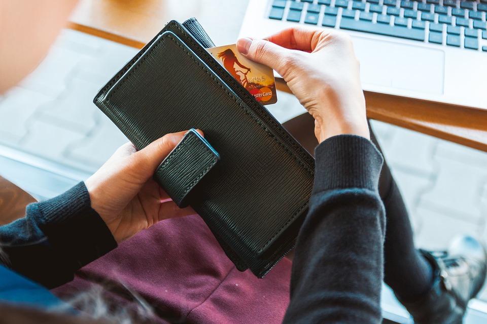 2019 蝦皮信用卡優惠:17間銀行刷卡滿額現折、刷卡金回饋整理(3月)