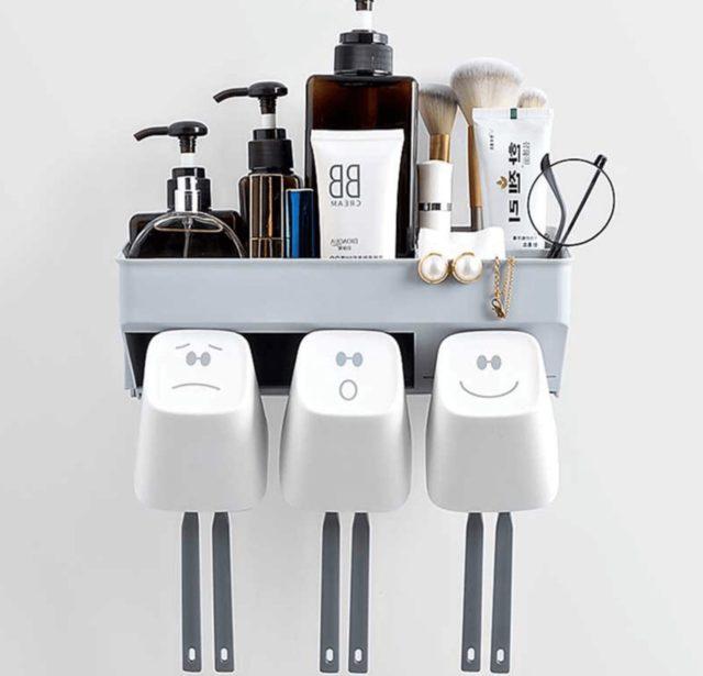 Multifunction_toothbrush_shelf